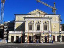 Как открыть частный театр?